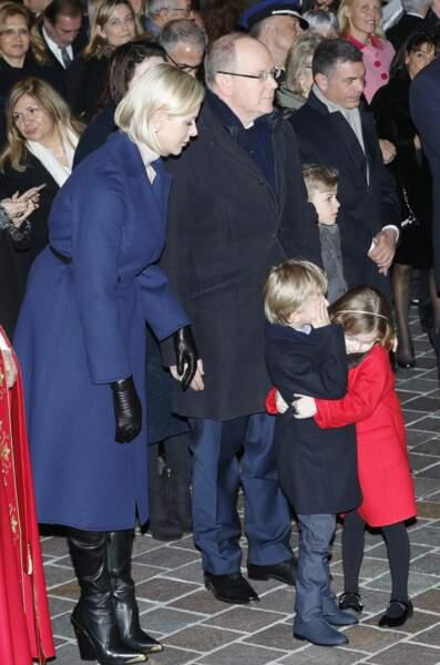 La princesse Charlene de Monaco surveillait d'un oeil attentif ses jumeaux Jacques et Gabriella