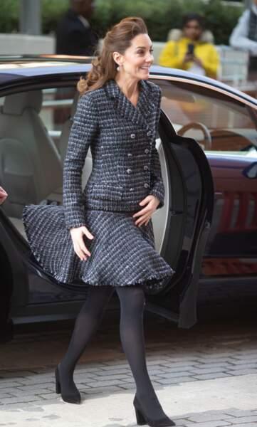 Kate Middleton très en beauté avec cet ensemble en tweed Dolce & Gabbana