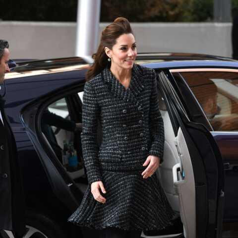 PHOTOS – Kate Middleton toujours très chic dans son ensemble en tweed Dolce & Gabbana
