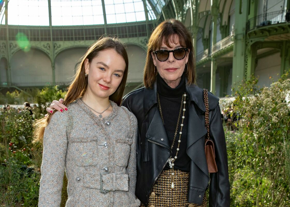 Alexandra et Caroline de Hanovre au défilé Chanel, à Paris, le 21 janvier 2020.