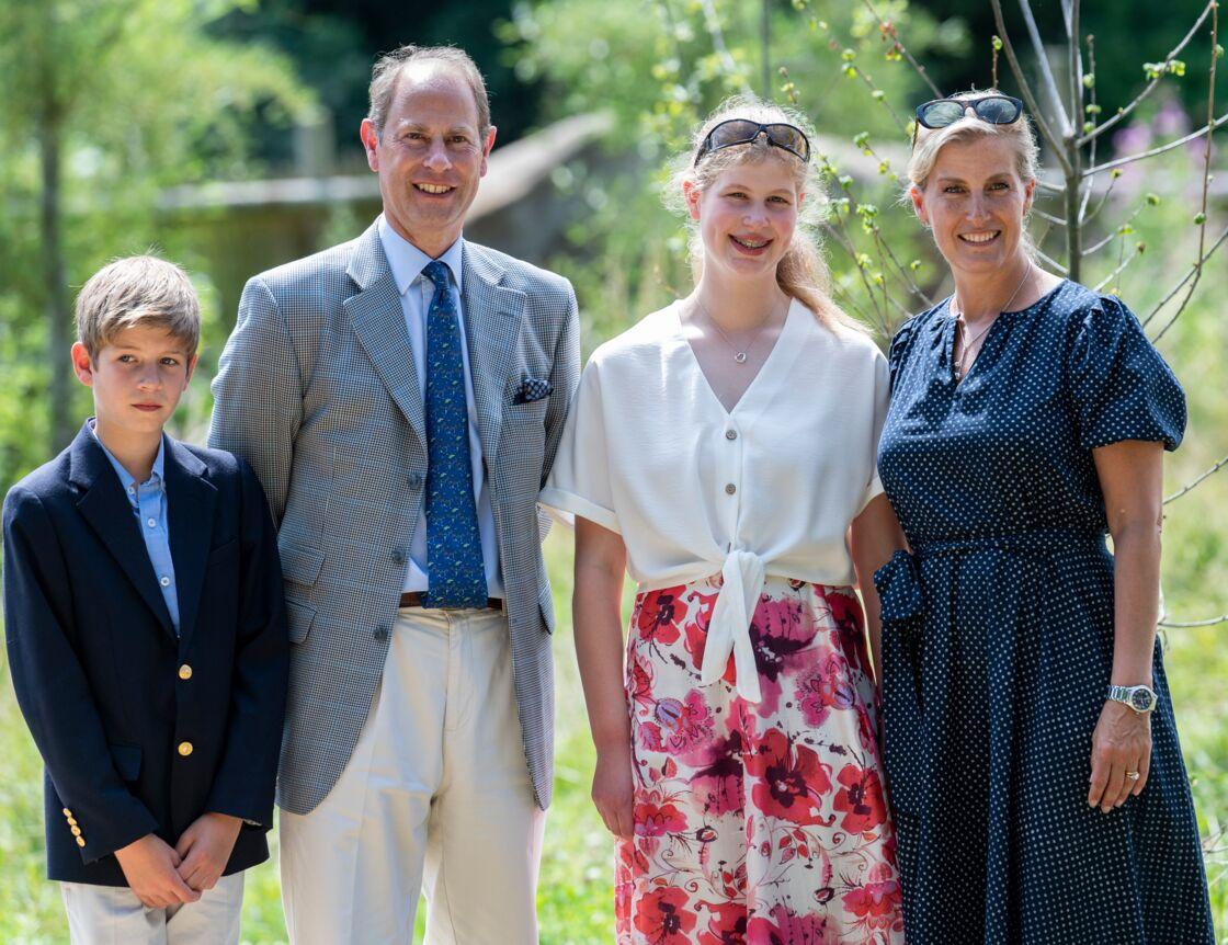 Sophie et Edward avec leurs enfants James et Louise, lors de leur visite du zoo de Bristol, en juillet 2019.