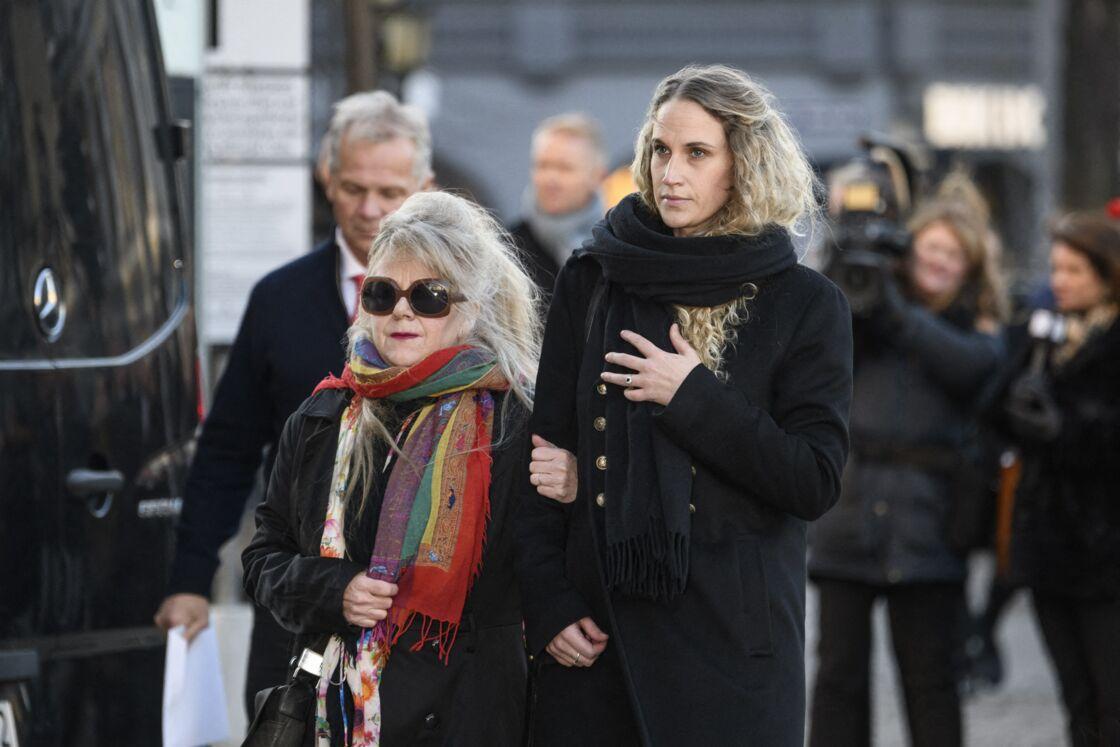 Ebba Rysst, dernière compagne d'Ari Behn, lors des obsèques de l'écrivain-peintre, à Oslo, le 3 janvier 2019.