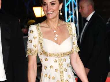 Kate Middleton ultra-glamour aux Bafta Awards en robe Alexander McQueen