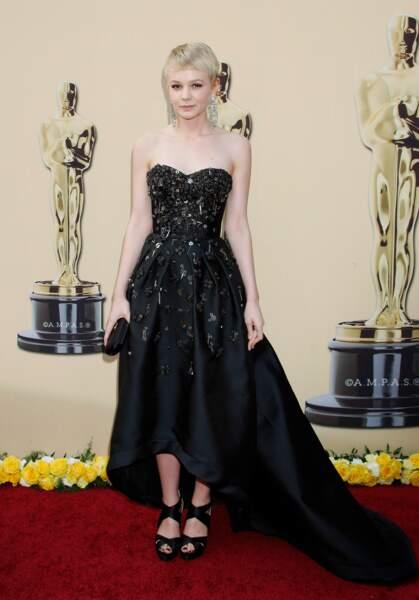 Carey Mulligan est arrivée en Prada, à la cérémonie des Oscars de 2010