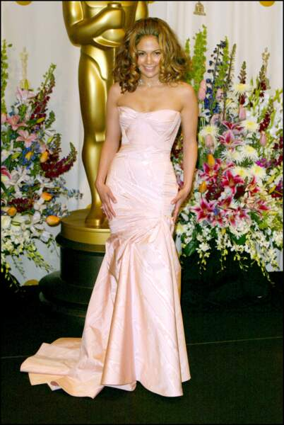 Jennifer Lopez en Versace lors des Oscars 2002