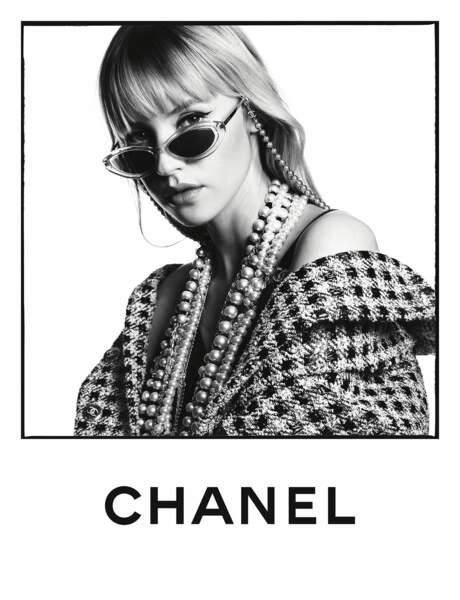 Première campagne Chanel pour la jeune chanteuse Angèle.