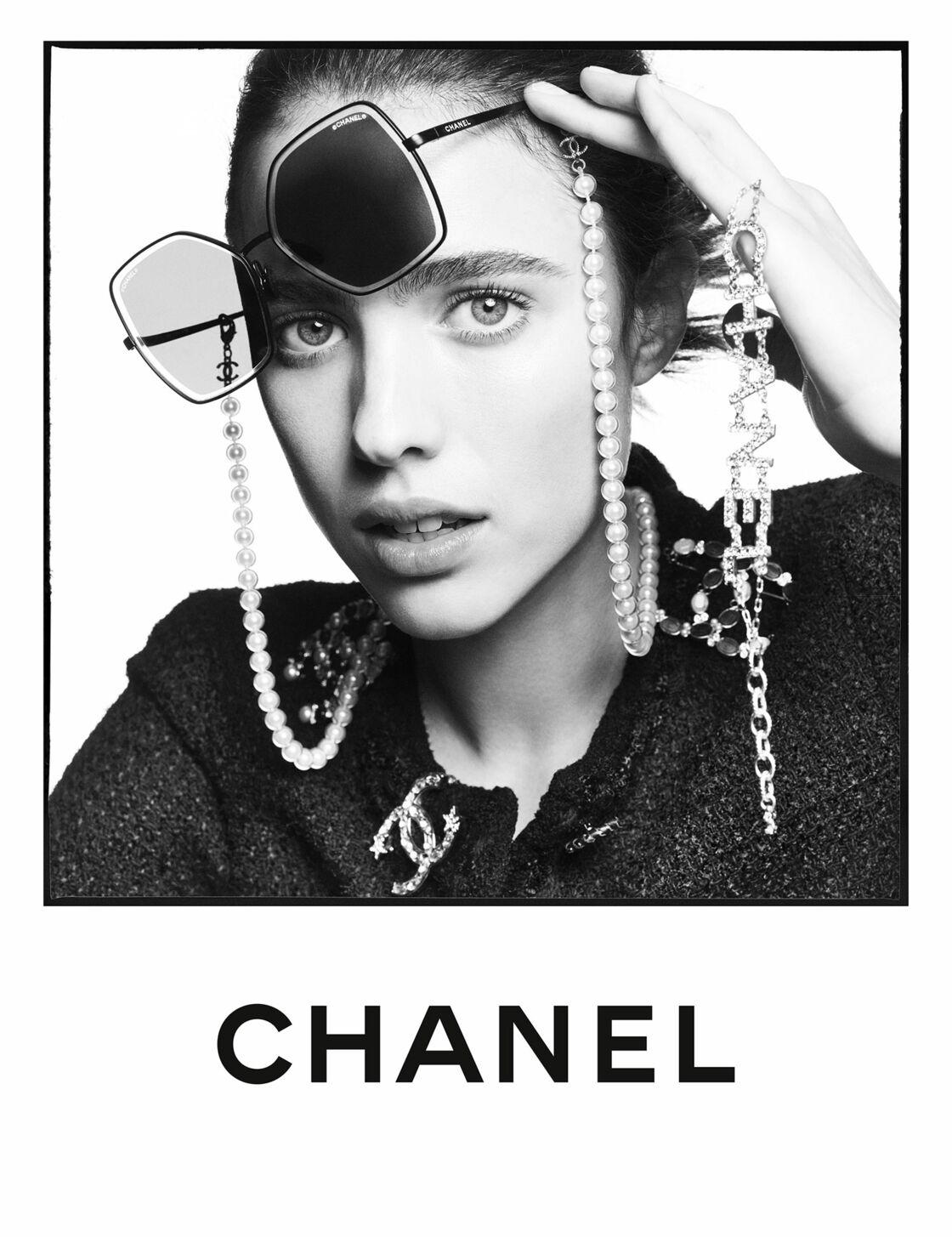 A 24 ans, Margaret Qualley, l'actrice et fille d'Andie Mc Dowell, signe sa première campagne Chanel