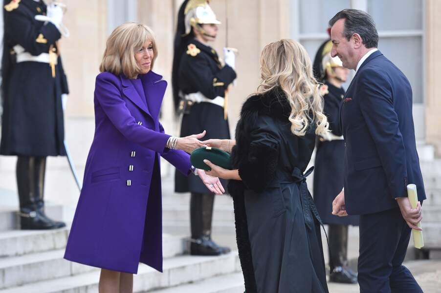 Une tenue violette