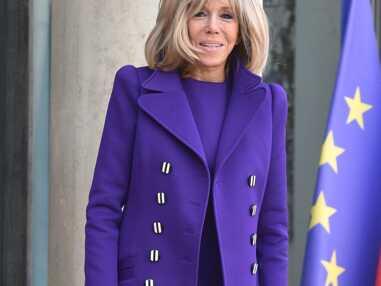 PHOTOS - Brigitte Macron rayonnante en violet pour accueillir la nouvelle Première dame argentine