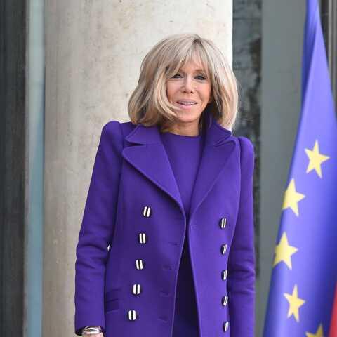 PHOTOS – Brigitte Macron rayonnante en violet pour accueillir la nouvelle Première dame argentine