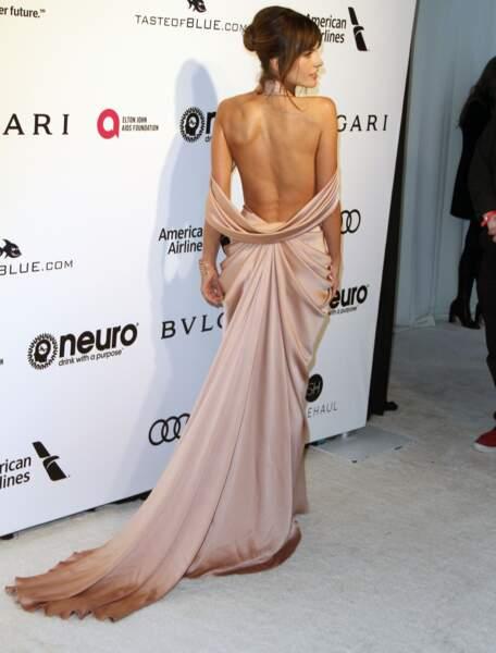 Alessandra Ambrosio  avec un dos nu inoubliable en 2017