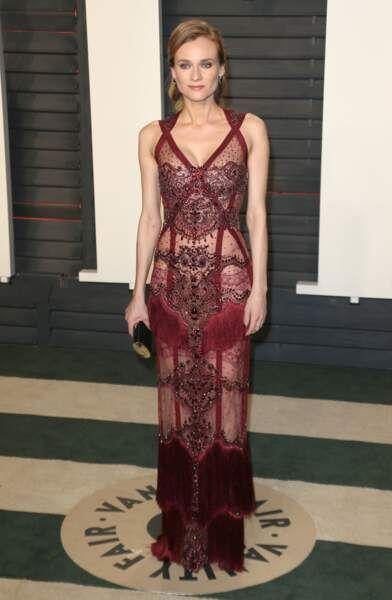 Diane Kruger est arrivée dans une robe travaillée sur la dentelle et la transparence lors de la soirée Vanity Fair Oscar Party en 2016