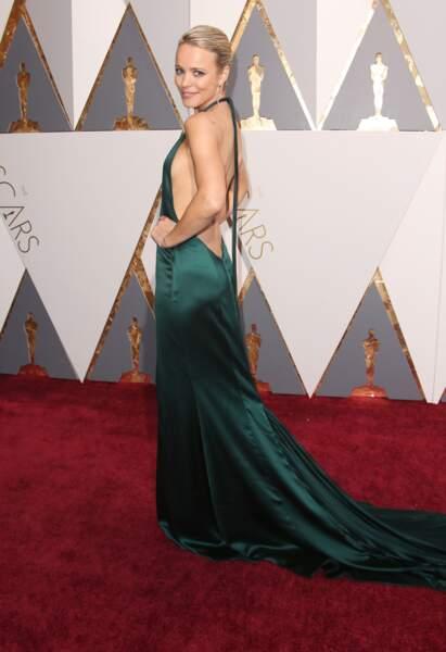 Rachel McAdams en robe dos nu en 2016