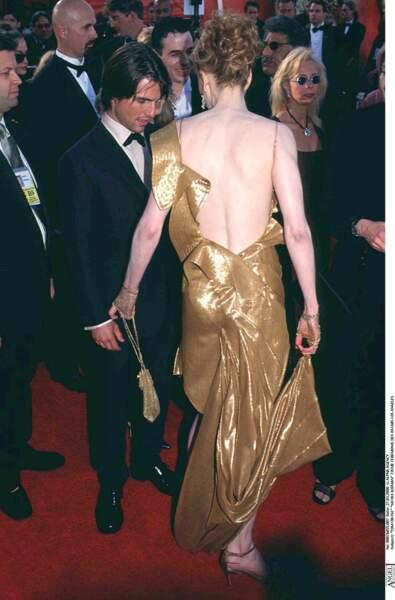 Nicole Kidman porte une robe dorée très sexy avec un joli dos nu pour la 72e cérémonie des Oscars