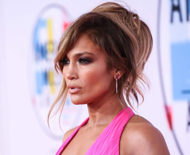 Jennifer Lopez: contouring version  matte