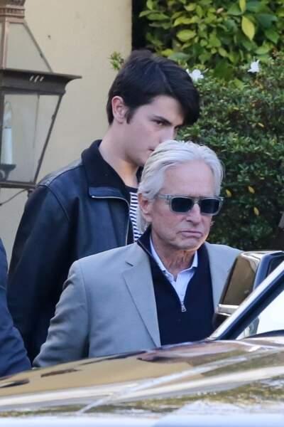 Epaulé par son fils Dylan Michael, Michael Douglas prend sur lui
