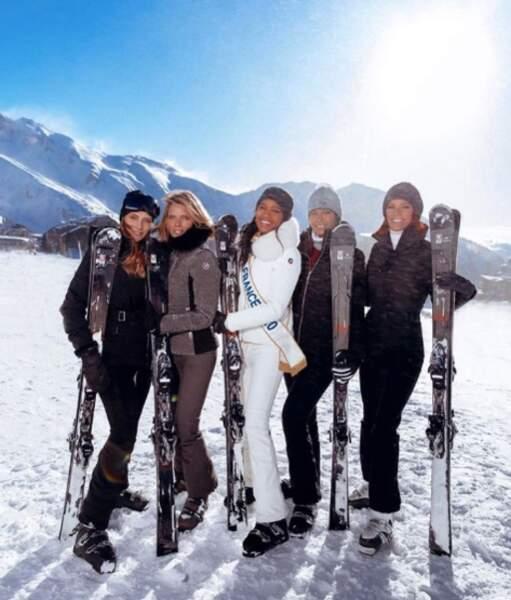 Le crew Miss France : sourire ultra bright, ciel bleu et teint parfait