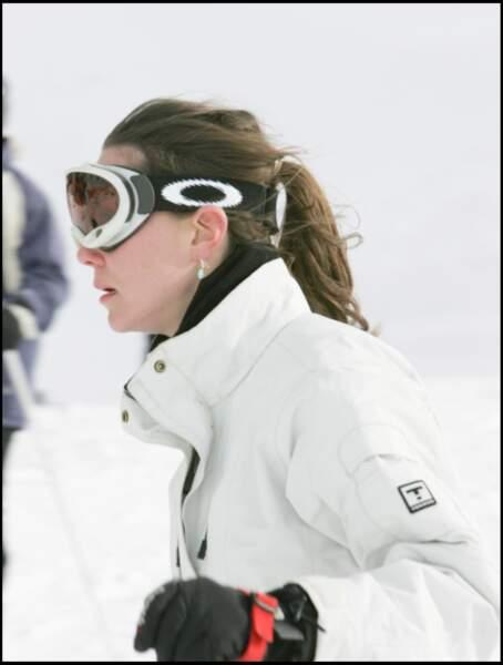 Kate Middleton à Zermatt en Suisse : pas toujours simple de garder une allure altière sous une tempête de neige.