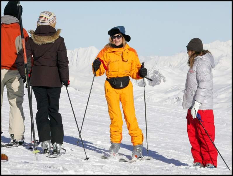 Julie Depardieu maitrise le planté de bâton et l'application méticuleuse de crème solaires