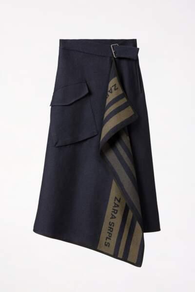 Jupe drapée, 79,95 €, Zara.