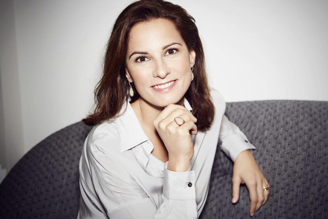 Claire Choisne, arrivée à la direction artistique et de création de Boucheron en 2011. Elle nous confie à propos de la bague 26V: «Je la trouve très parisienne, chic.»