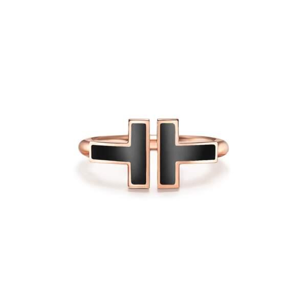 Bague en or rose et onyx, 1450 €, Tiffany&Co.