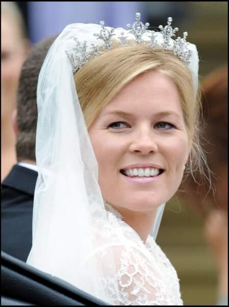 Dans la foulée de son divorce d'avec Peter Phillips, annoncé le 11 février 2020, Autumn Kelly aurait l'intention de repartir au Canada.