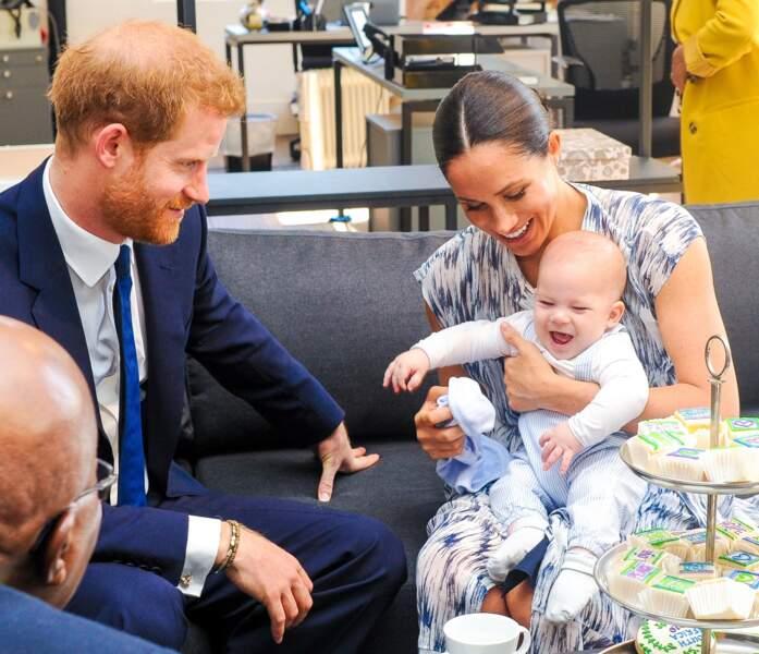 Meghan Markle et le prince Harry présentent leur premier fils Archie, à Cape Town, Afrique du Sud le 25 septembre 2019