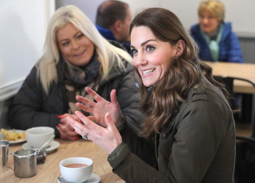Cette apparition de Kate Middleton à Newtownards préfigurait aussi un séjour officiel du couple de Cambridge en Irlande du Nord du 3 au 5 mars 2020.