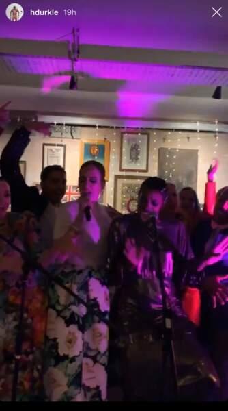 Adele a interprété lors de la soirée de mariage quelques-uns son tube Rolling In The Deep et Spice Up Your Life des Spice Girls.