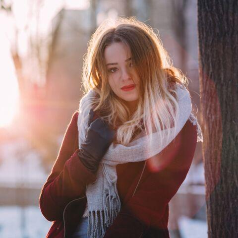 Cheveux: 5 astuces pour lutter contre les frisottis en hiver