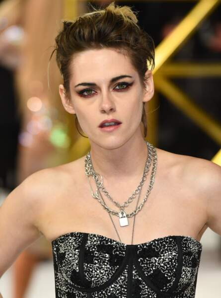 Kristen Stewart assume la coupe rock