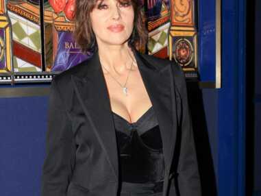 PHOTOS - Monica Bellucci sublime en smoking pour l'inauguration de l'exposition Christian Louboutin