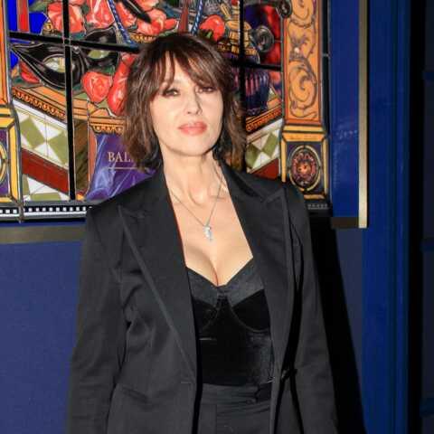 PHOTOS – Monica Bellucci radieuse en bustier et smoking pour son ami Christian Louboutin