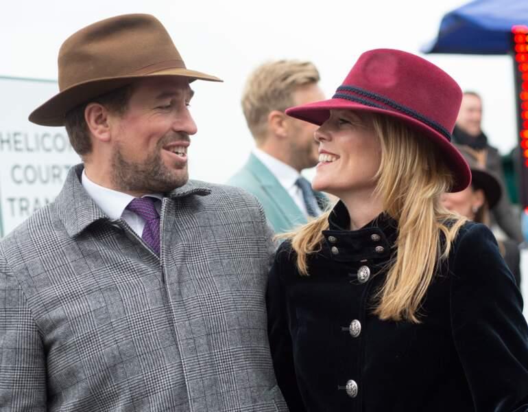 Autumn Kelly a étudié à l'université McGill et a fait du théâtre avant d'entamer une carrière de consultante en gestion. Elle intègre la famille royale britannique en épousant Peter Phillips, en mai 2008. Le couple vient d'annoncer son divorce.