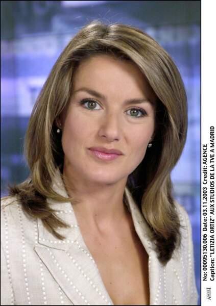 Née Ortiz, Letizia d'Espagne s'est d'abord illustrée en tant que journaliste. Elle a notamment été grand reporter pour la chaîne espagnole TVE.