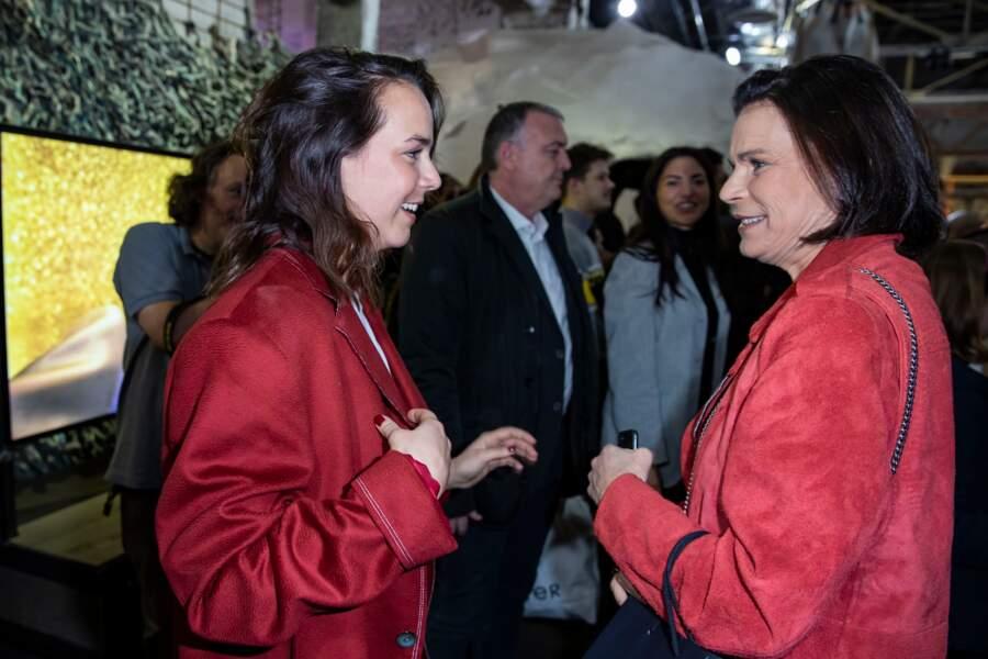 La princesse Stéphanie de Monaco fière de sa fille la styliste Pauline Ducruet, qui a souvent confié s'inspirer du style de sa mère pour sa collection.