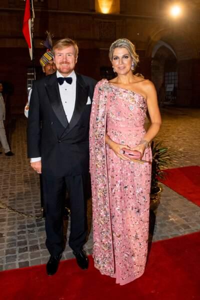 Maxima Zorreguieta Cerruti est née à Buenos Aires, en Argentine. Mais l'épouse de Willem-Alexander des Pays-Bas s'est rapidement imposée dans le coeur des Hollandais. D'abord princesse, elle est devenue reine suite à l'abdication de la mère de Willem-Alexander, la reine Beatrix, en 2013.