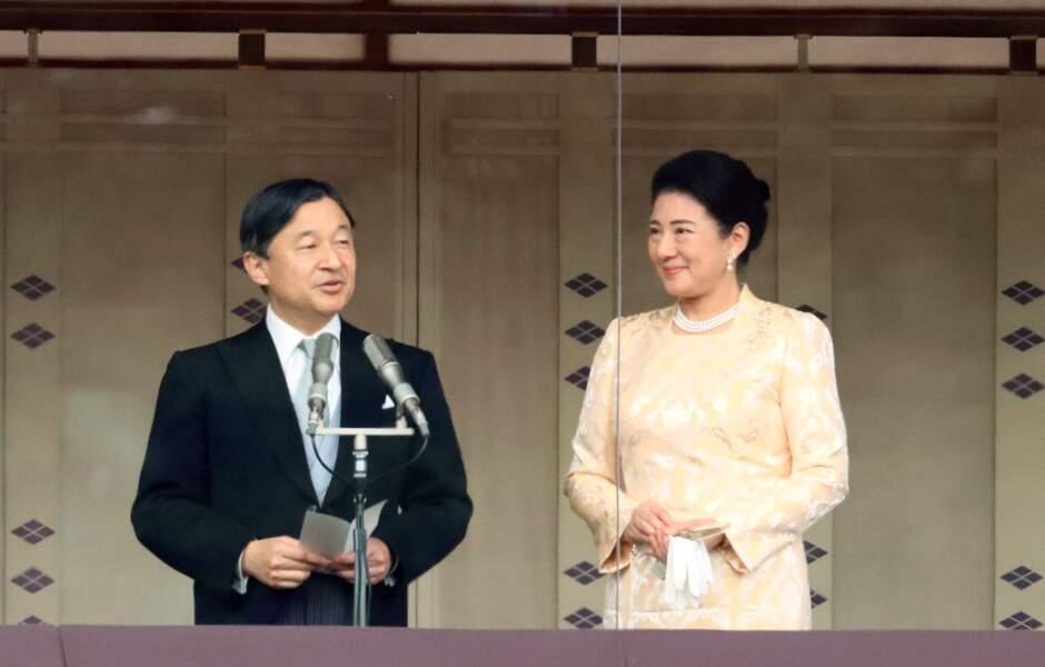 Fille d'un diplomate, Masako Owada a d'abord refusé d'épouser le prince héritier Naruhito du Japon, préférant s'accomplir à son tour dans la diplomatie et les affaires étrangères.