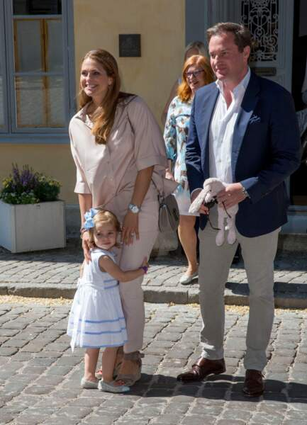Christopher O'Neill est né à Londres au Royaume-Uni. D'origine irlandaise et autrichienne, le mari de la princesse Madeleine de Suède a commencé à faire affaire aux Etats-Unis. Peu soucieux de l'étiquette, il refuse la nationalité suédoise en 2012, ce qui ne passe pas très bien à l'intérieur du royaume. Depuis, les regards ont toutefois changé sur lui.