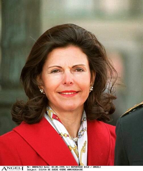 Née Sommerlath, la future reine Silvia de Suède a occupé différents postes diplomatique avant d'épouser le prince héritier Carl-Gustav en 1976.