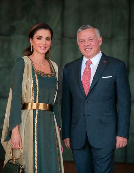 Le roi Abdallah II et Rania se rencontrent en 1993 et se fiancent deux mois plus tard. Ils se marient au mois de juin de cette même année. Toujours aussi amoureux, ils ont donné naissance à quatre enfants.