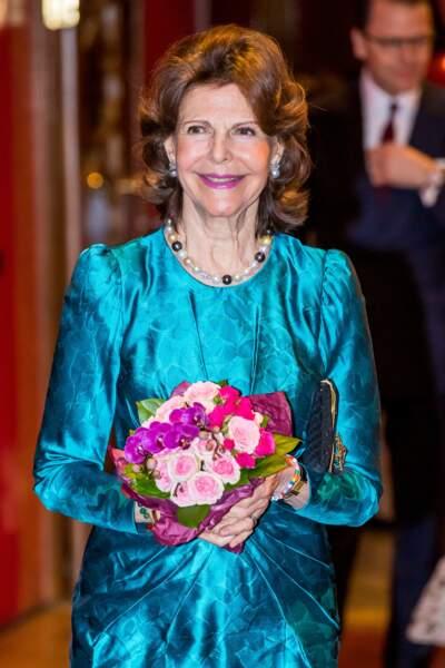 D'abord au service du consulat argentin de Munich, elle a par la suite été hôte pédagogique lors des Jeux olympiques d'été de 1972, puis chef adjoint du protocole lors des Jeux d'hiver de 1976, à Innsbruck, en Autriche. Interprète de formation, l'actuelle reine de Suède peut parler six langues.