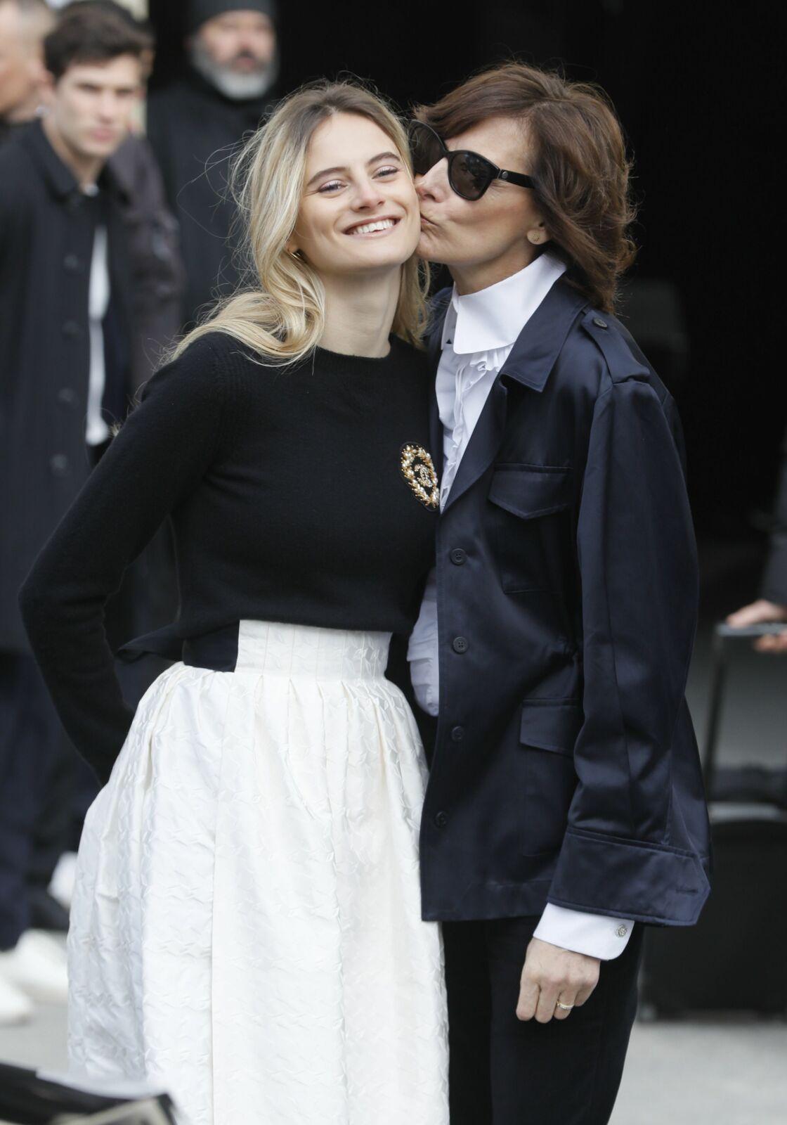 Inès de la Fressange complice avec sa fille Violette d'Urso, 20 ans.