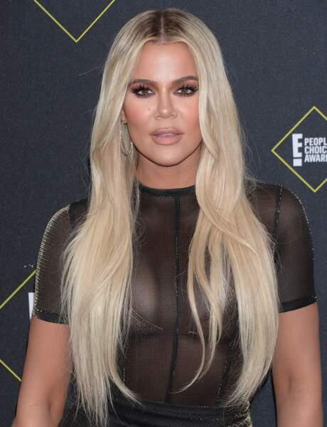 Khloé Kardashian est fidèle à ce rose beige pour mettre en valeur ses lèvres pulpeuses
