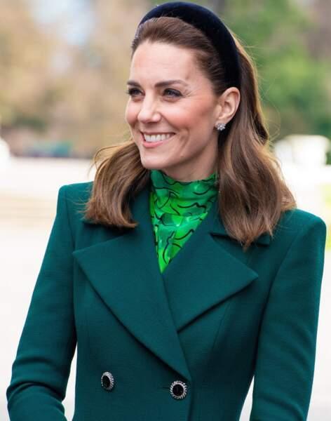 La duchesse de Cambridge aime les teintes discrètes comme ce rose bonbon