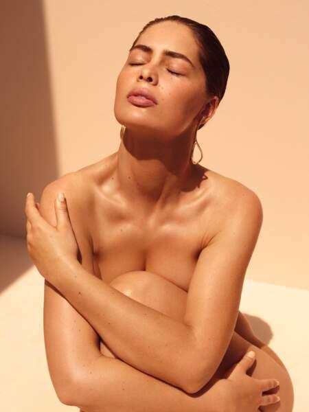 Prévenir plutôt que de guérir. Été comme hiver, Marie-Ange ne sort jamais sans sa protection solaire, pour préserver sa peau. Son tips? Elle utilise un fluide teinté SPF50.