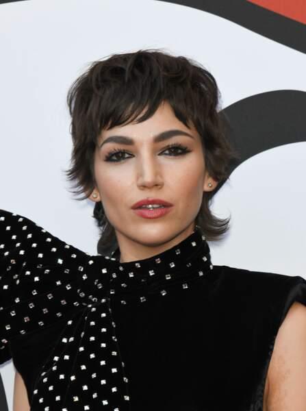 Ursula Corbero, la star de Casa de Papel, est une adepte de la coupe mulet, qu'elle glamourise au maximum.