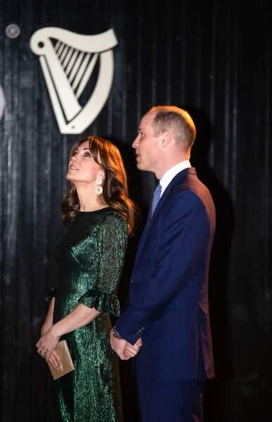 Kate et William de Cambridge apparaissent très proches l'un de l'autre lors de cette soirée Guinness. C'est également dans cet esprit que le couple Royale a continué son voyage en Irlande en ce début mars 2020.