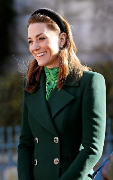 Kate Middleton porte la pièce la plus chère de son séjour : des boucles d'oreilles Asprey London à 17300 € !